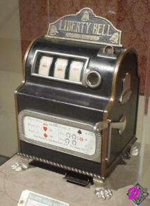 1. Slot Machine Liberty Bell